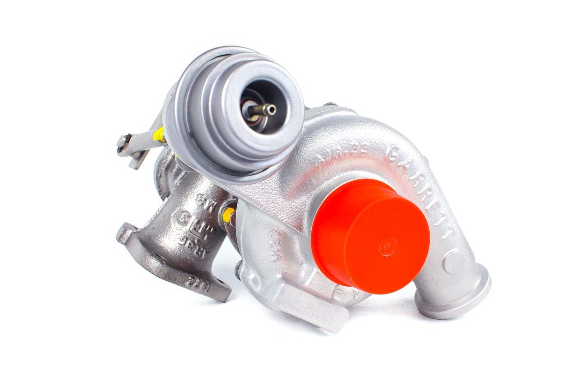 Turbosprężarka z numerem {numerglowny} po zregenerowaniu w najnowocześniejszej pracowni regeneracji turbosprężarek przed odesłaniem do zamawiającej firmy