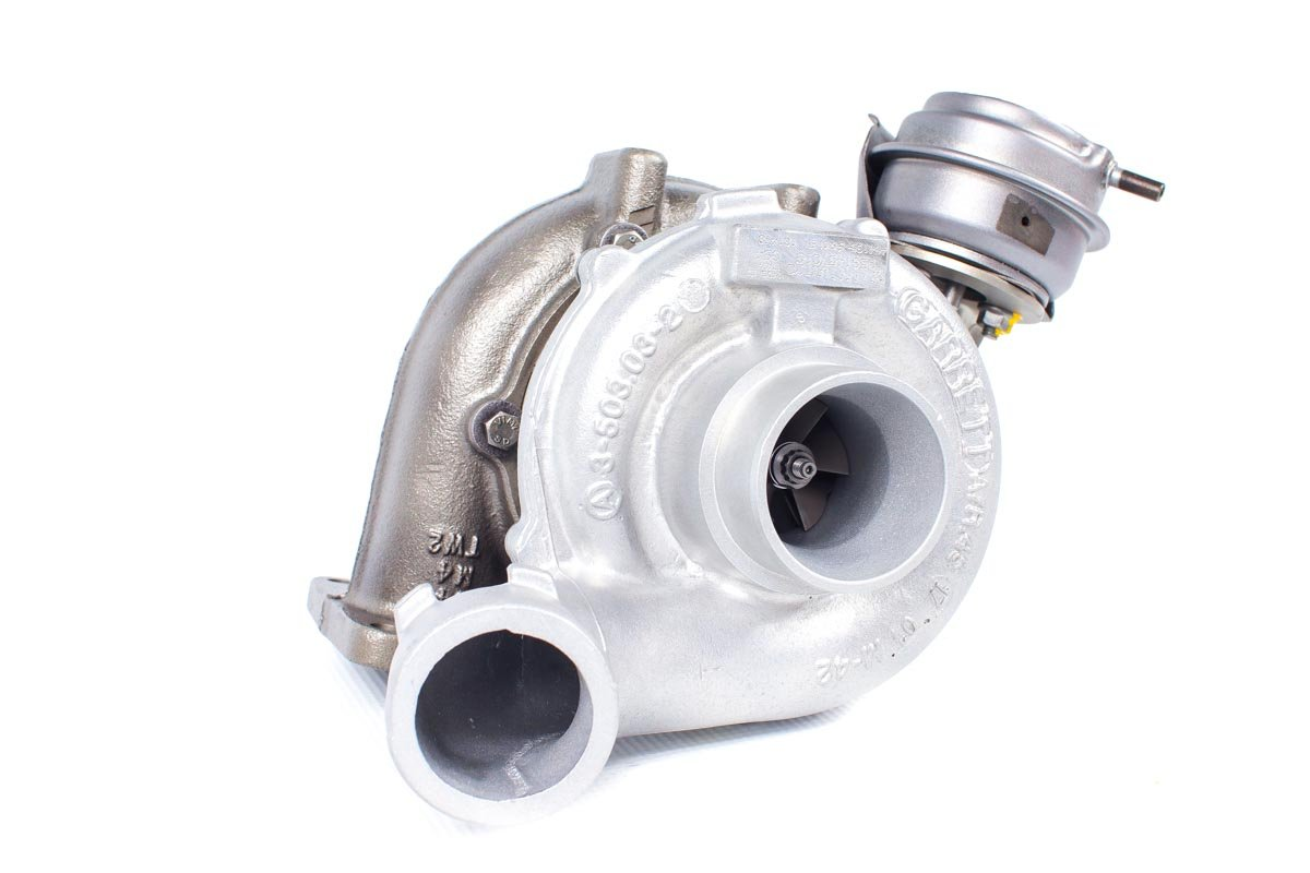 Turbosprężarka z numerem {numerglowny} po zregenerowaniu w specjalistycznej pracowni regeneracji turbo przed wysyłką do warsztatu samochodowego
