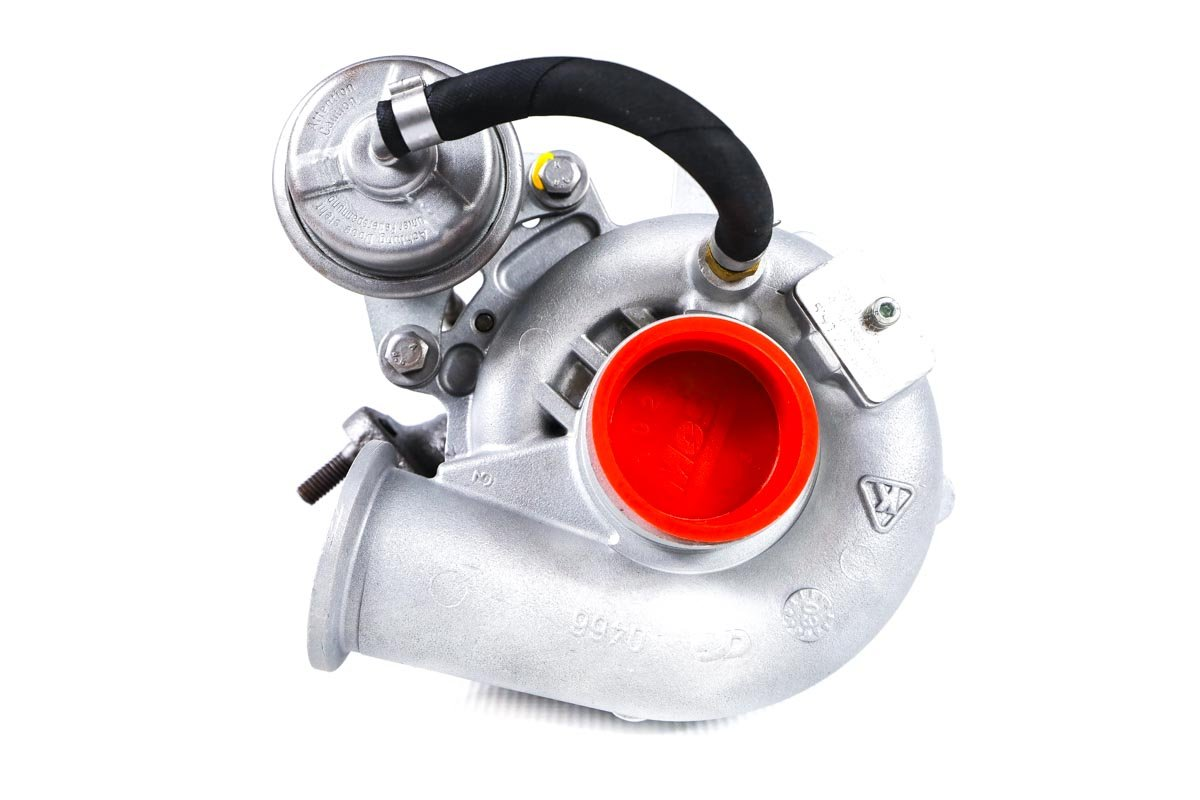 Turbosprężarka z numerem {numerglowny} po przywróceniu do pełnej sprawności w specjalistycznej pracowni regeneracji turbo przed wysłaniem do warsztatu