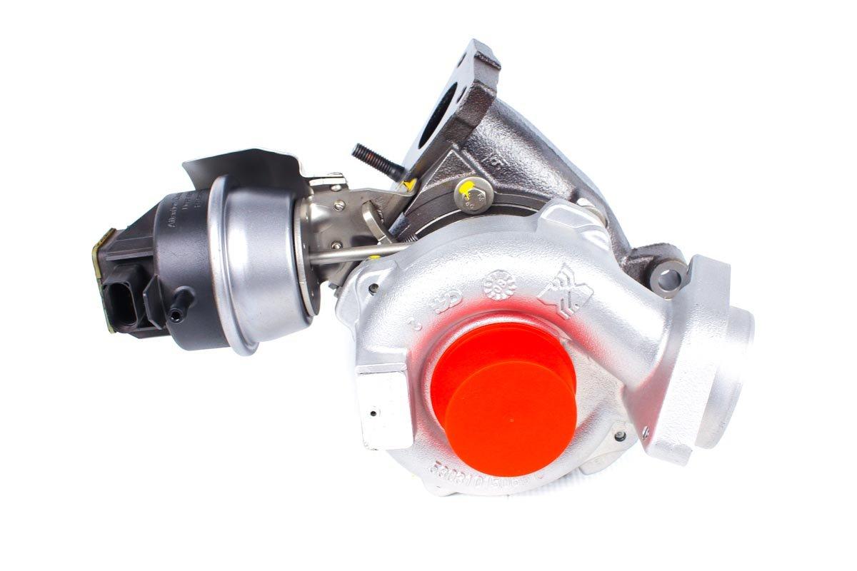 Turbosprężarka z numerem {numerglowny} po przywróceniu do pełnej sprawności w profesjonalnej pracowni regeneracji turbo przed nadaniem do zamawiającego