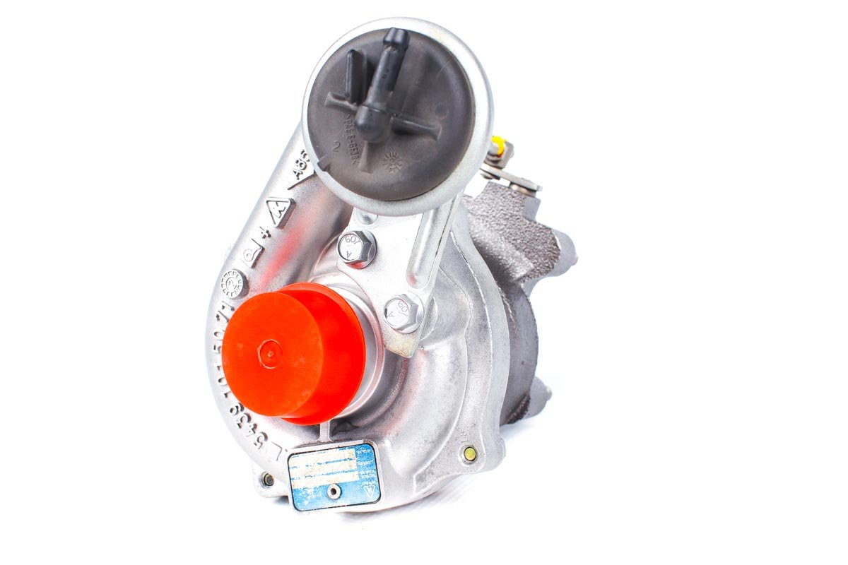 Turbosprężarka z numerem {numerglowny} po przywróceniu do pełnej sprawności w najwyższej jakości pracowni regeneracji turbo przed wysłaniem do zamawiającej firmy