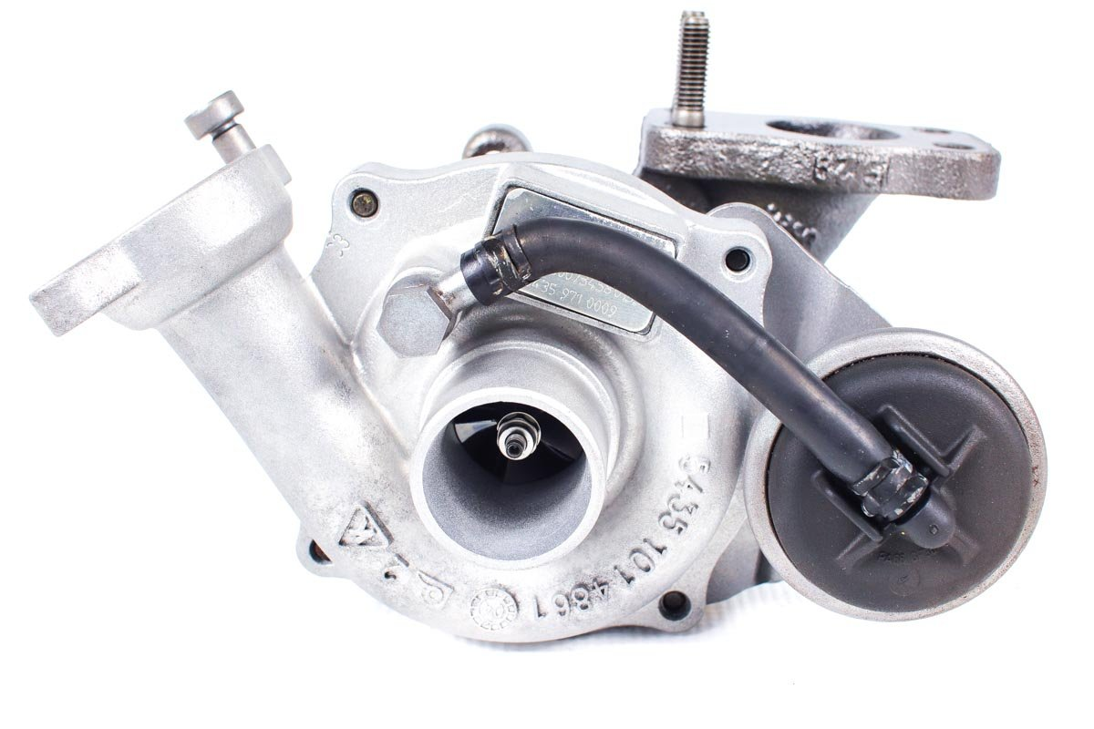 Turbosprężarka o numerze {numerglowny} po przywróceniu do pełnej sprawności w najwyższej jakości pracowni regeneracji turbo przed nadaniem do Klienta