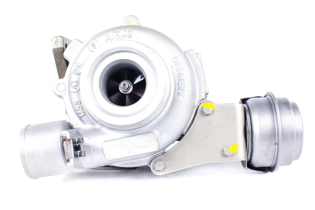 Turbosprężarka numer {numerglowny} po przywróceniu do pełnej sprawności w profesjonalnej pracowni regeneracji turbosprężarek przed wysłaniem do Klienta