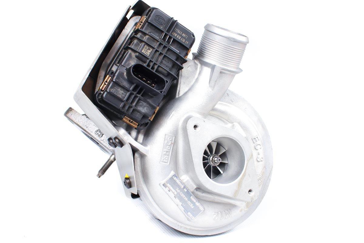 Turbina numer {numerglowny} po regeneracji w specjalistycznej pracowni regeneracji turbosprężarek przed wysyłką do warsztatu