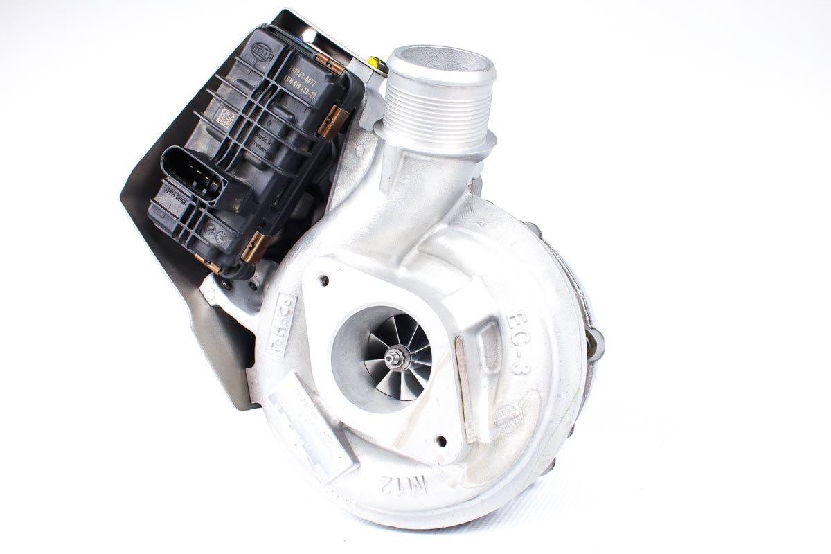 Turbo o numerze {numerglowny} po regeneracji w profesjonalnej pracowni regeneracji turbosprężarek przed nadaniem do warsztatu