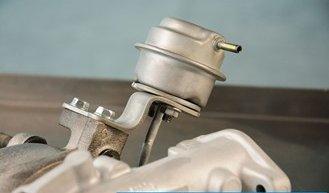 Skalibrować aktuator w turbosprężarce