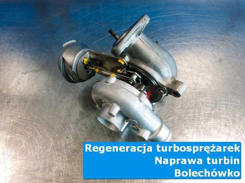 Turbosprężarka po czyszczeniu na stole w laboratorium z Bolechówka