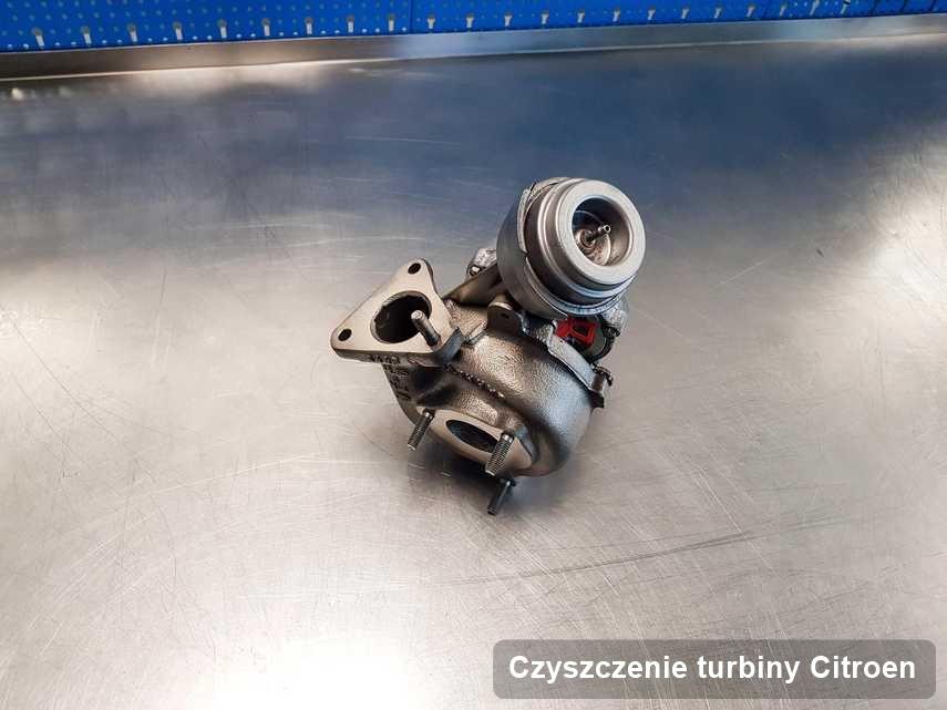 Turbina do auta sygnowane logiem Citroen wyczyszczona w laboratorium gdzie realizuje się serwis Czyszczenie turbiny