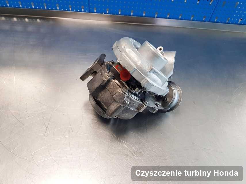 Turbosprężarka do osobówki marki Honda po remoncie w pracowni gdzie realizuje się serwis Czyszczenie turbiny