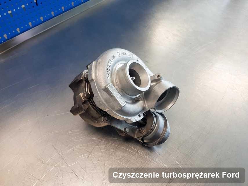 Turbosprężarka do samochodu osobowego marki Ford naprawiona w firmie gdzie zleca się usługę Czyszczenie turbosprężarek