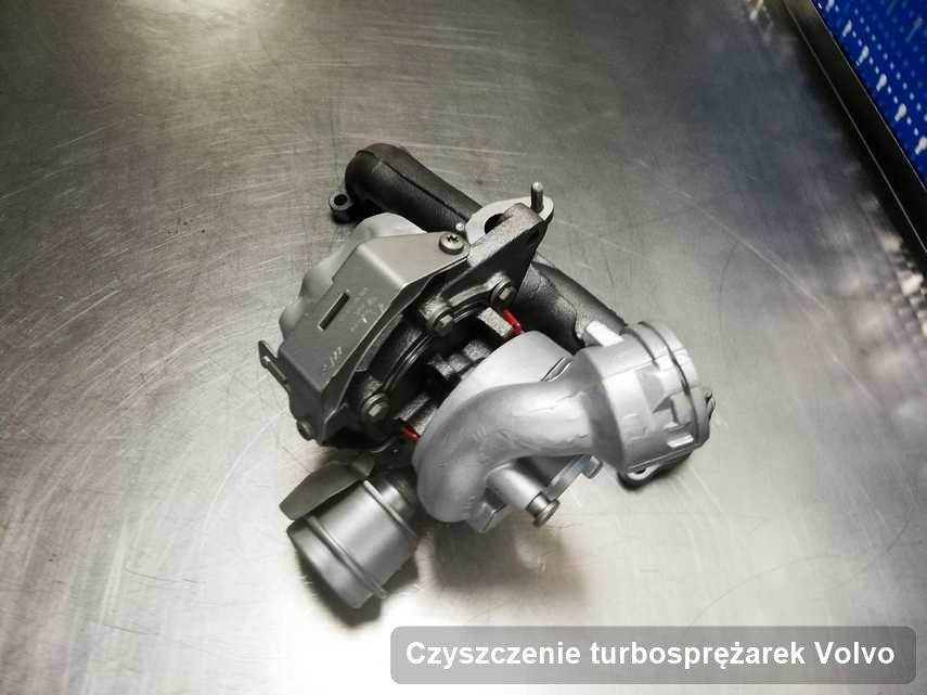 Turbosprężarka do samochodu firmy Volvo wyczyszczona w laboratorium gdzie zleca się usługę Czyszczenie turbosprężarek