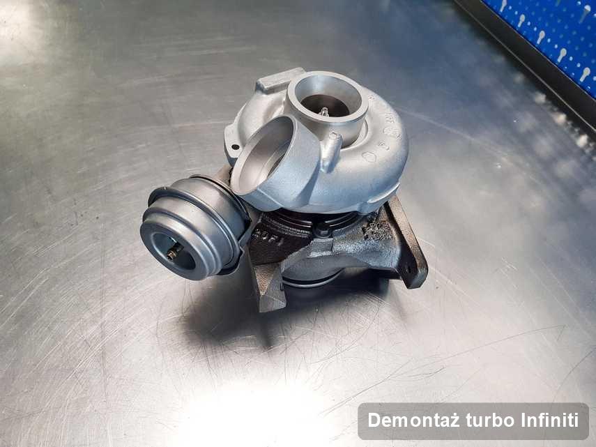 Turbosprężarka do osobówki firmy Infiniti wyremontowana w firmie gdzie wykonuje się serwis Demontaż turbo