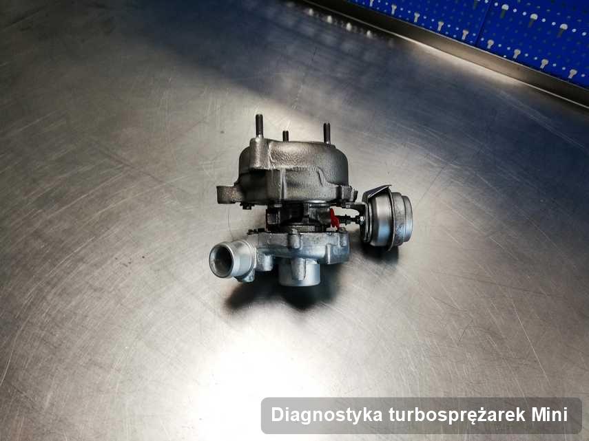 Turbosprężarka do samochodu osobowego spod znaku Mini naprawiona w laboratorium gdzie realizuje się usługę Diagnostyka turbosprężarek