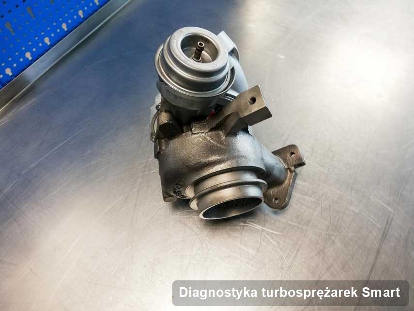 Turbina do auta osobowego z logo Smart po remoncie w przedsiębiorstwie gdzie realizuje się serwis Diagnostyka turbosprężarek