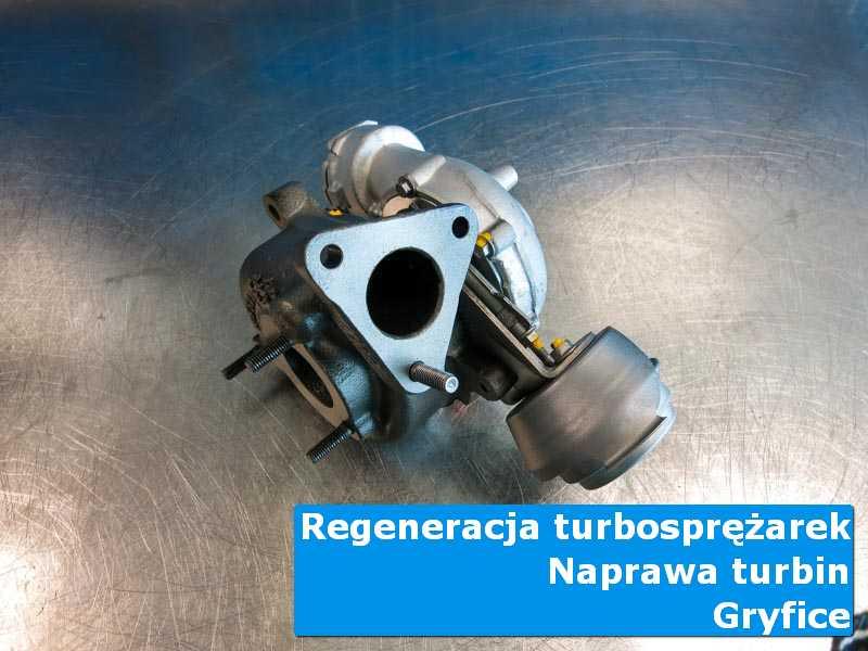 Turbosprężarka po wizycie w ASO na stole pracowniczym w Gryficach