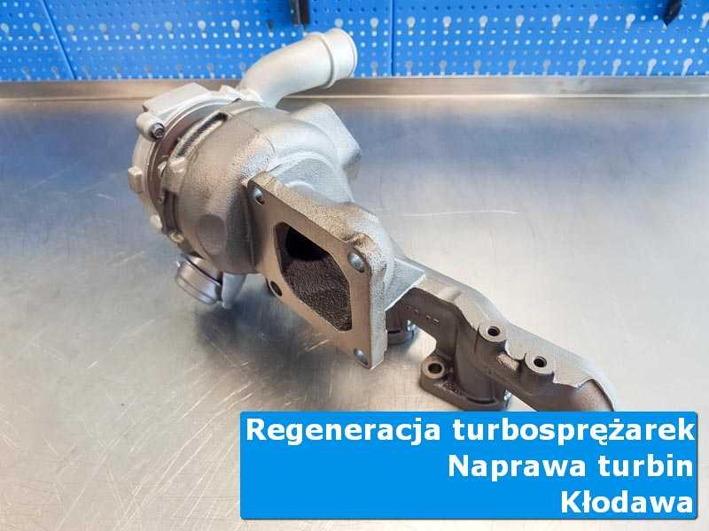Turbosprężarka po czyszczeniu na stole w pracowni z Kłodawy