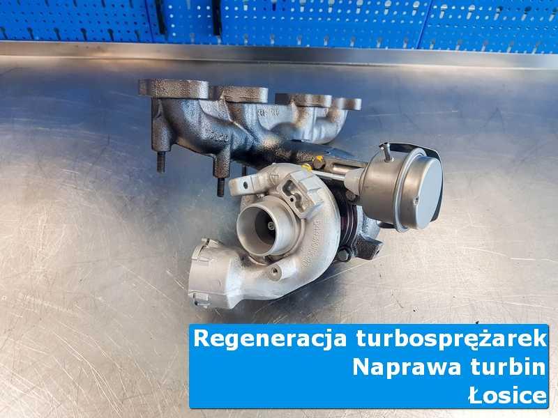 Układ turbodoładowania przed wysyłką na stole w laboratorium z Łosic
