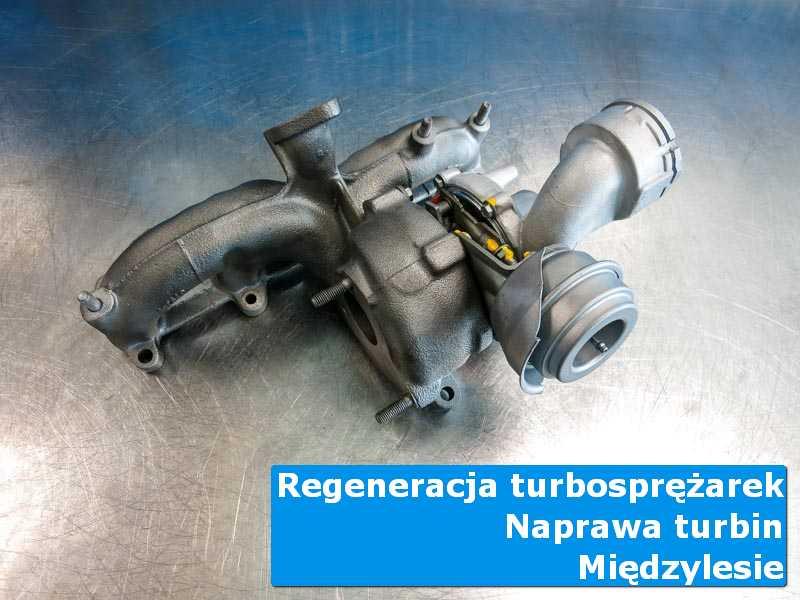 Układ turbodoładowania po demontażu na stole w pracowni z Międzylesia
