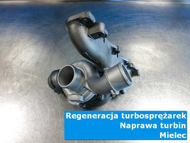 Układ turbodoładowania po serwisie na stole w pracowni w Mielcu