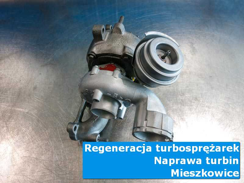 Układ turbodoładowania przed wymianą na stole w pracowni w Mieszkowicach