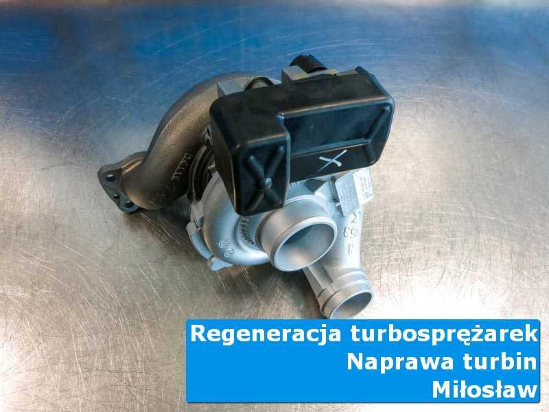 Układ turbodoładowania przed demontażem na stole w pracowni z Miłosławia