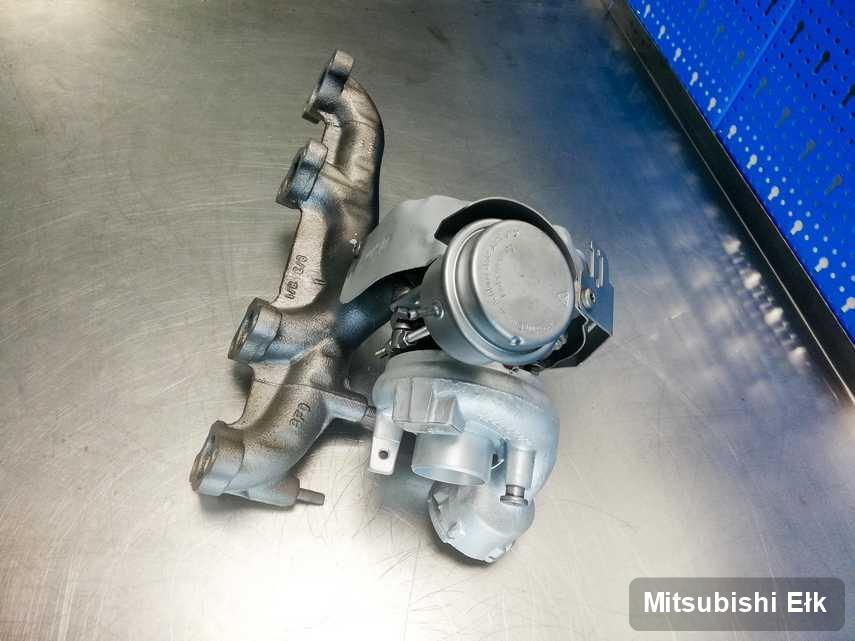 Wyczyszczona w laboratorium w Ełku turbosprężarka do auta koncernu Mitsubishi przygotowana w pracowni po remoncie przed spakowaniem