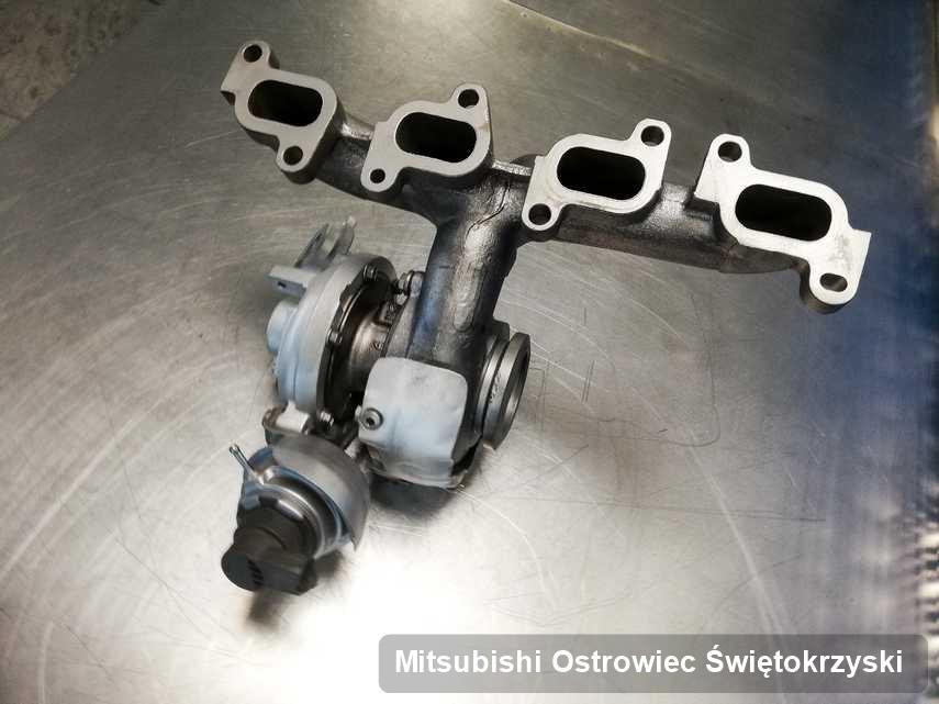 Wyremontowana w firmie w Ostrowcu Świętokrzyskim turbosprężarka do aut  spod znaku Mitsubishi przygotowana w warsztacie po remoncie przed spakowaniem