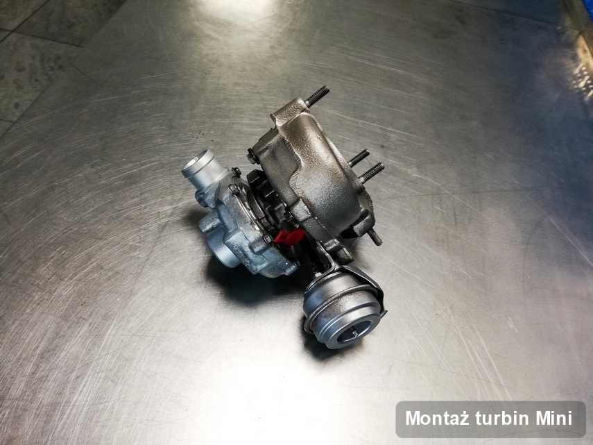Turbosprężarka do diesla marki Mini wyczyszczona w przedsiębiorstwie gdzie wykonuje się serwis Montaż turbin