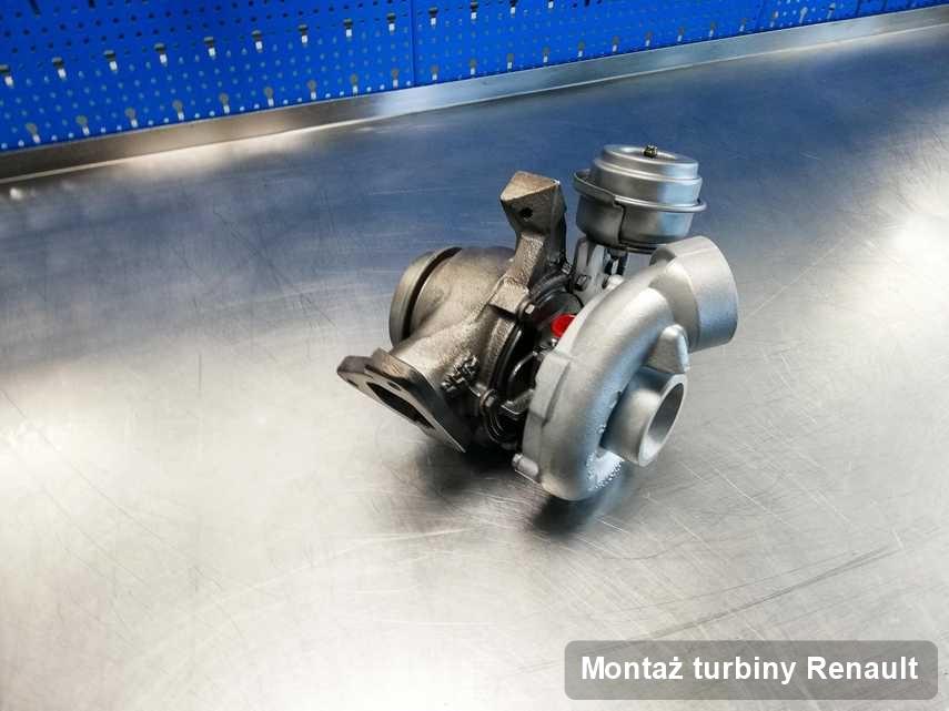 Turbosprężarka do diesla z logo Renault wyczyszczona w warsztacie gdzie zleca się usługę Montaż turbiny