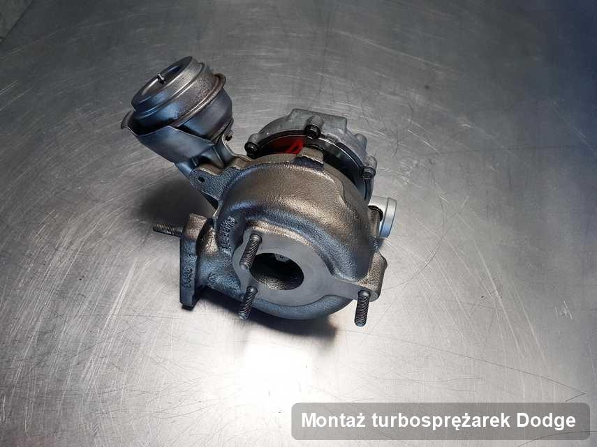 Turbina do auta osobowego spod znaku Dodge po naprawie w laboratorium gdzie realizuje się serwis Montaż turbosprężarek