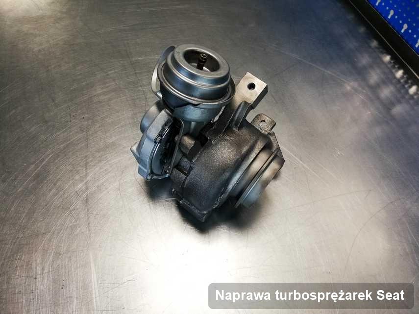 Turbosprężarka do osobówki marki Seat wyczyszczona w pracowni gdzie wykonuje się usługę Naprawa turbosprężarek