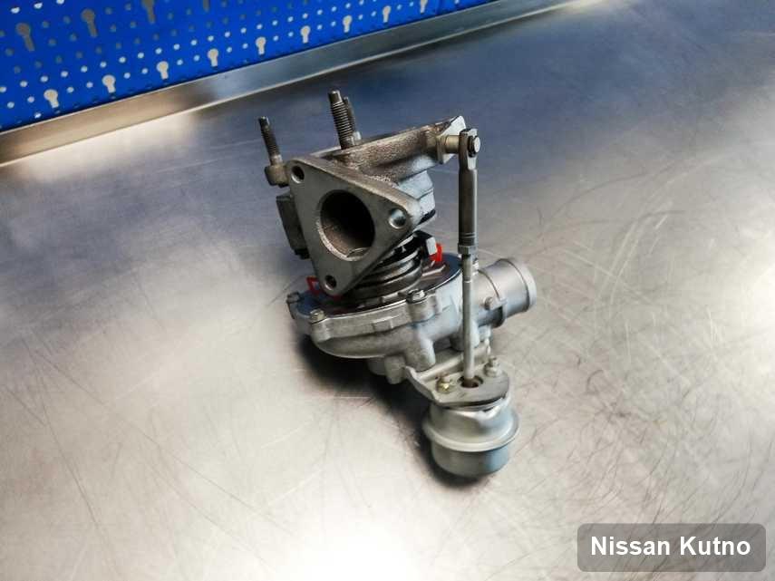 Wyczyszczona w przedsiębiorstwie w Kutnie turbosprężarka do auta spod znaku Nissan przyszykowana w warsztacie zregenerowana przed wysyłką