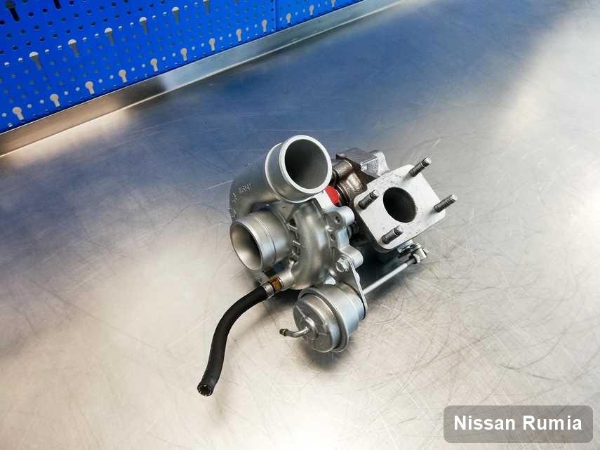Naprawiona w pracowni regeneracji w Rumi turbosprężarka do auta z logo Nissan przygotowana w laboratorium po regeneracji przed nadaniem