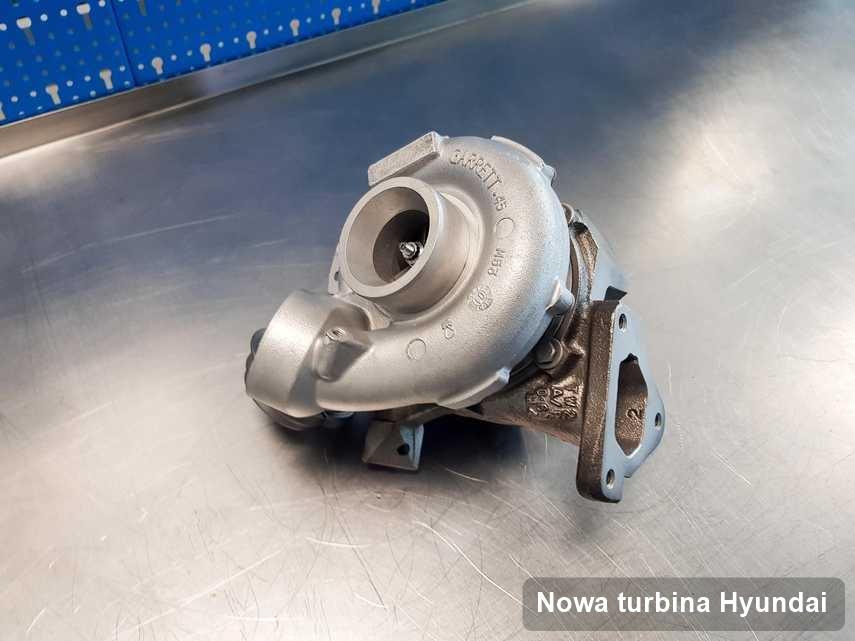 Turbina do samochodu osobowego z logo Hyundai wyremontowana w przedsiębiorstwie gdzie przeprowadza się  serwis Nowa turbina