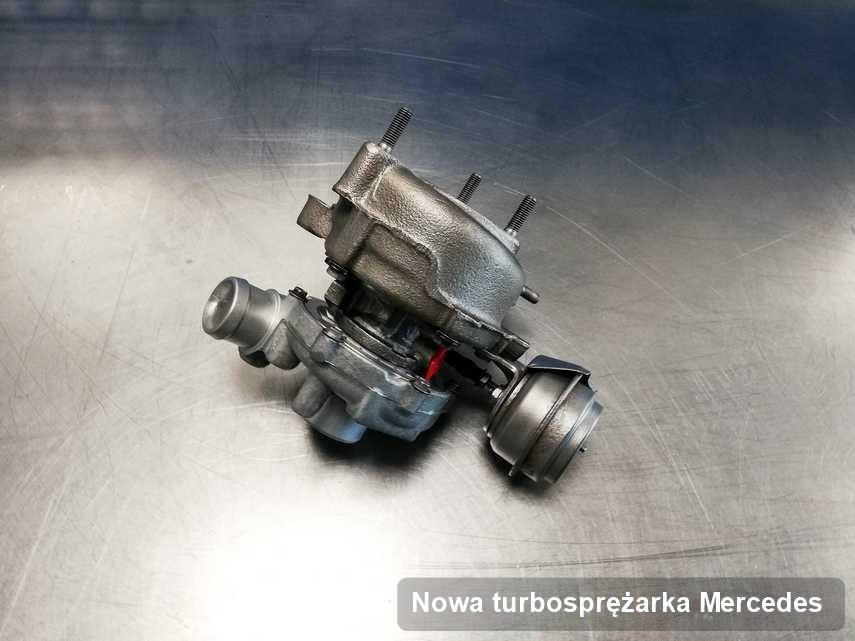 Turbina do pojazdu z logo Mercedes wyremontowana w warsztacie gdzie realizuje się usługę Nowa turbosprężarka