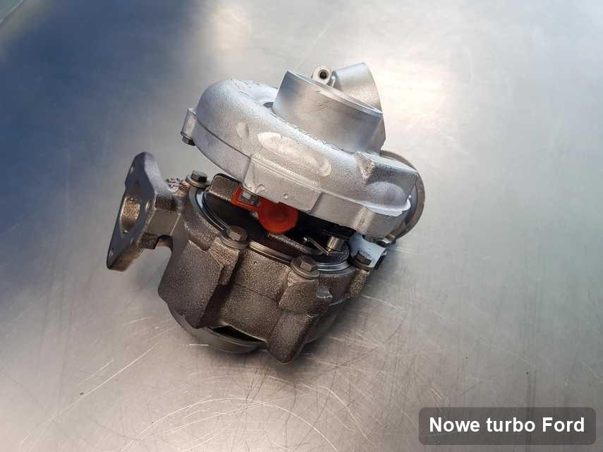 Turbosprężarka do samochodu z logo Ford wyczyszczona w warsztacie gdzie realizuje się usługę Nowe turbo