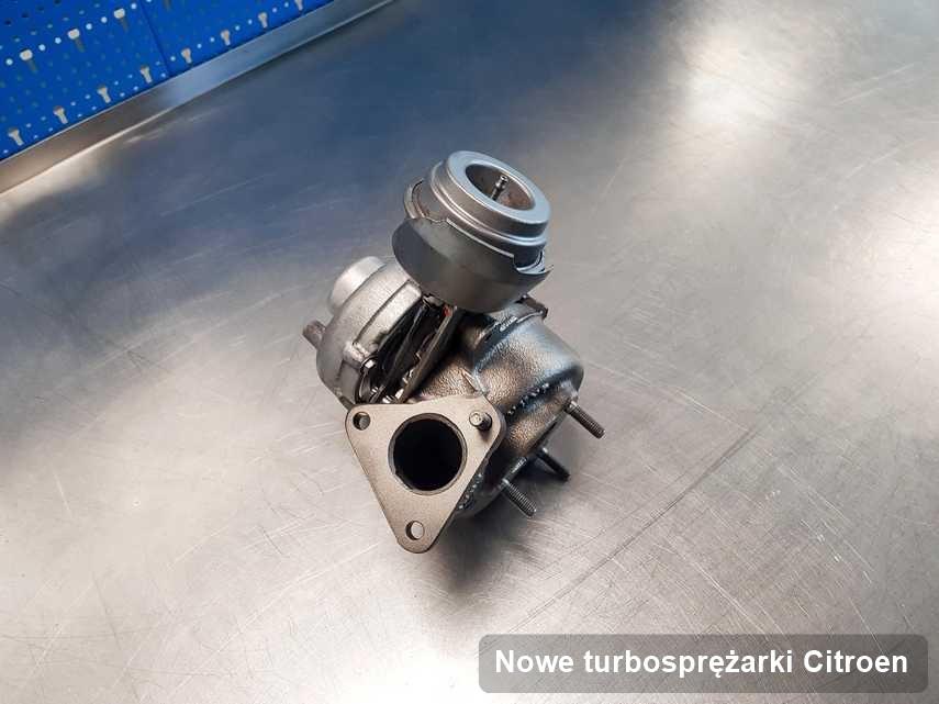 Turbina do auta producenta Citroen po remoncie w warsztacie gdzie wykonuje się usługę Nowe turbosprężarki
