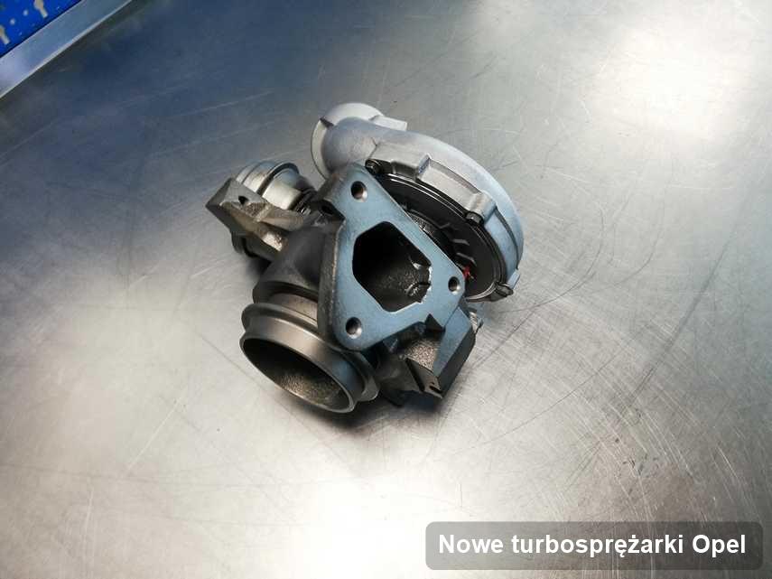 Turbina do auta spod znaku Opel po remoncie w warsztacie gdzie wykonuje się usługę Nowe turbosprężarki