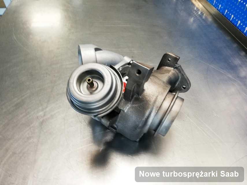 Turbina do auta z logo Saab zregenerowana w laboratorium gdzie realizuje się serwis Nowe turbosprężarki