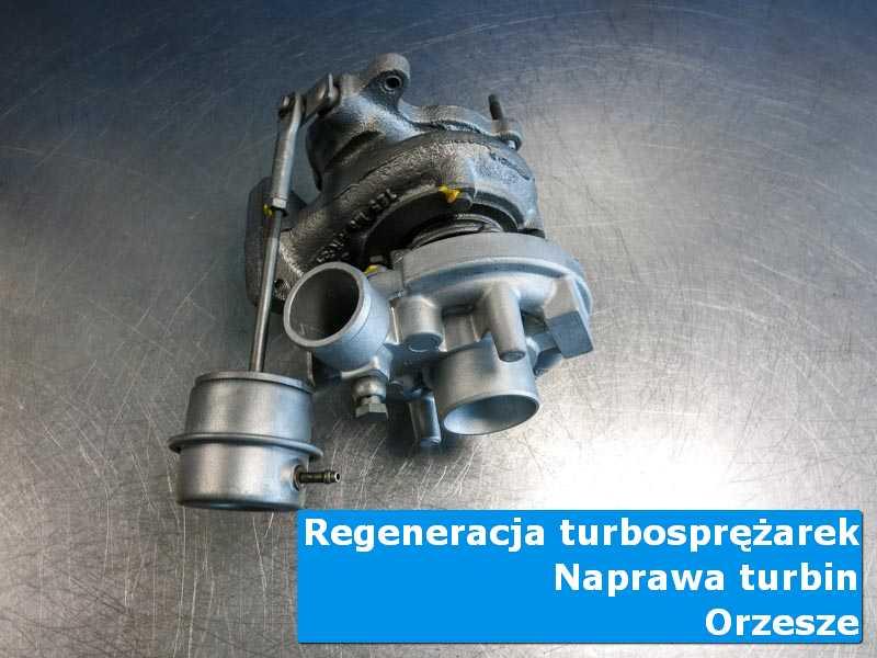 Turbosprężarka przed oddaniem do klienta na stole pracowniczym z Orzesza