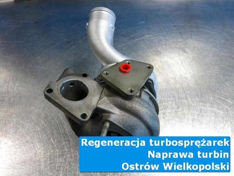 Turbosprężarka przed demontażem na stole w laboratorium w Ostrowie Wielkopolskim