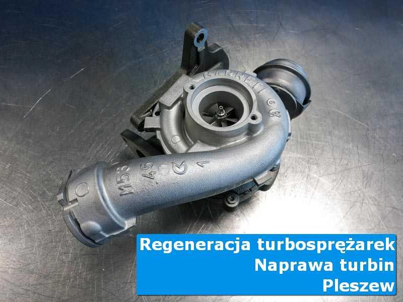 Układ turbodoładowania po czyszczeniu na stole pracowniczym w Pleszewie