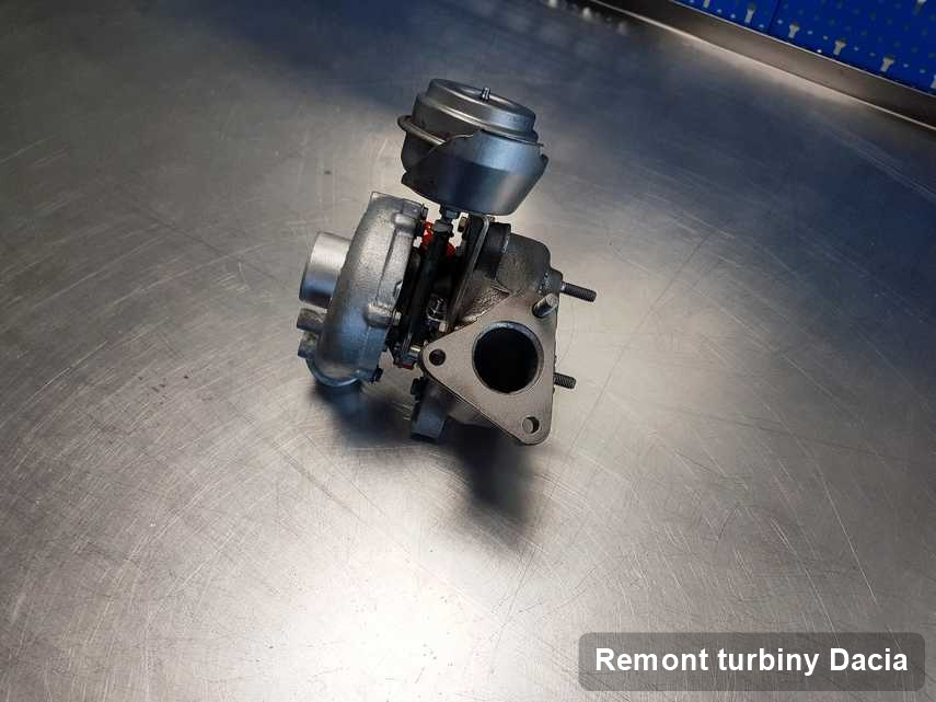 Turbosprężarka do diesla firmy Dacia wyczyszczona w pracowni gdzie przeprowadza się  serwis Remont turbiny