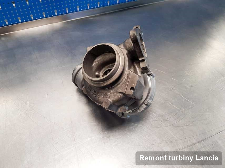 Turbosprężarka do samochodu osobowego producenta Lancia po remoncie w przedsiębiorstwie gdzie wykonuje się usługę Remont turbiny
