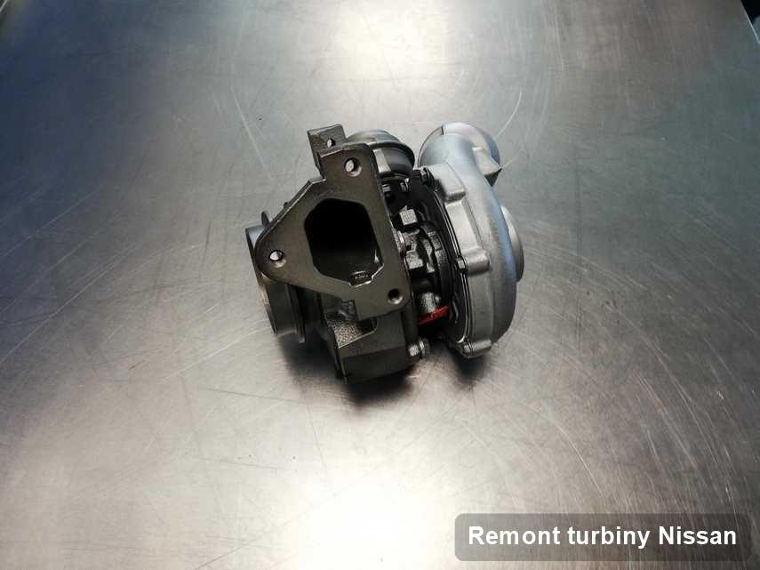 Turbosprężarka do diesla producenta Nissan wyczyszczona w laboratorium gdzie przeprowadza się  serwis Remont turbiny