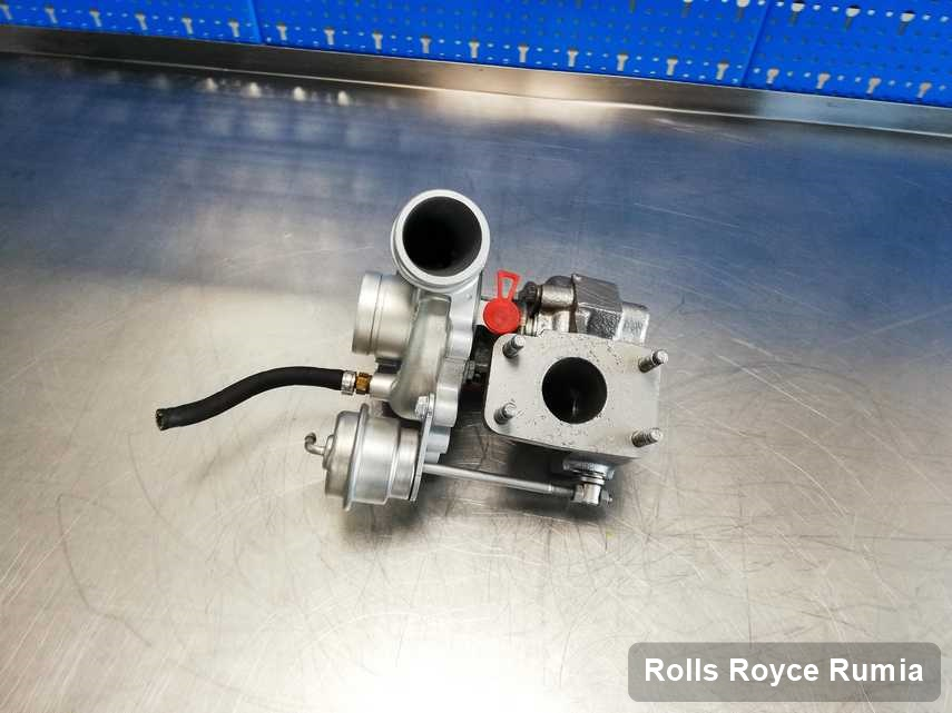 Naprawiona w pracowni w Rumi turbina do samochodu producenta Rolls Royce przyszykowana w laboratorium zregenerowana przed spakowaniem