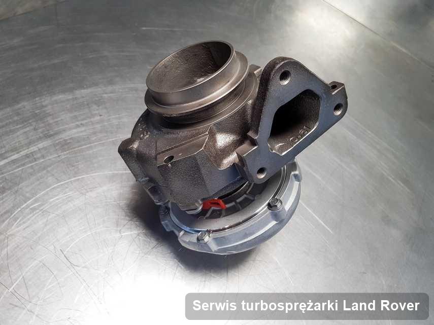 Turbosprężarka do samochodu osobowego firmy Land Rover wyczyszczona w firmie gdzie zleca się usługę Serwis turbosprężarki