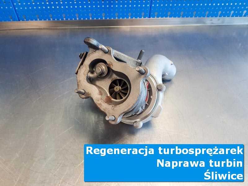 Układ turbodoładowania po naprawie na stole w laboratorium z Śliwic