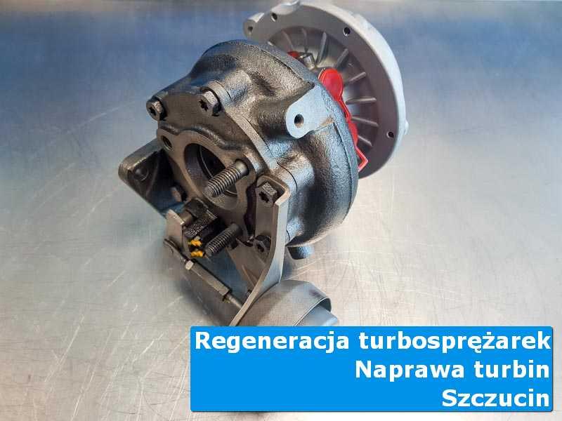 Układ turbodoładowania po czyszczeniu na stole w laboratorium w Szczucinie