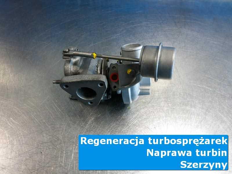 Turbosprężarka po przygotowaniu na stole w pracowni w Szerzynach
